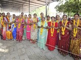 Mothers of sadhaks honored with garlands