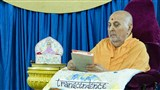 Swamishri sanctifies the book