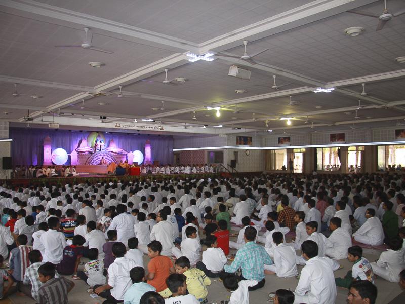 Bhavnagar India  City new picture : ... Ceremony to Celebrate Ten Years of the Mandir, Bhavnagar, India