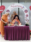 Swamishri sanctifies Premvati food items and equipments