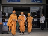 Pujya Mahant Swami arrives at Perth