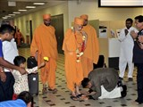 Pujya Mahant Swami arrives at Brisbane