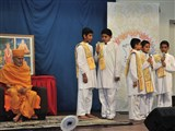 Children sing Sanskrit shlokas