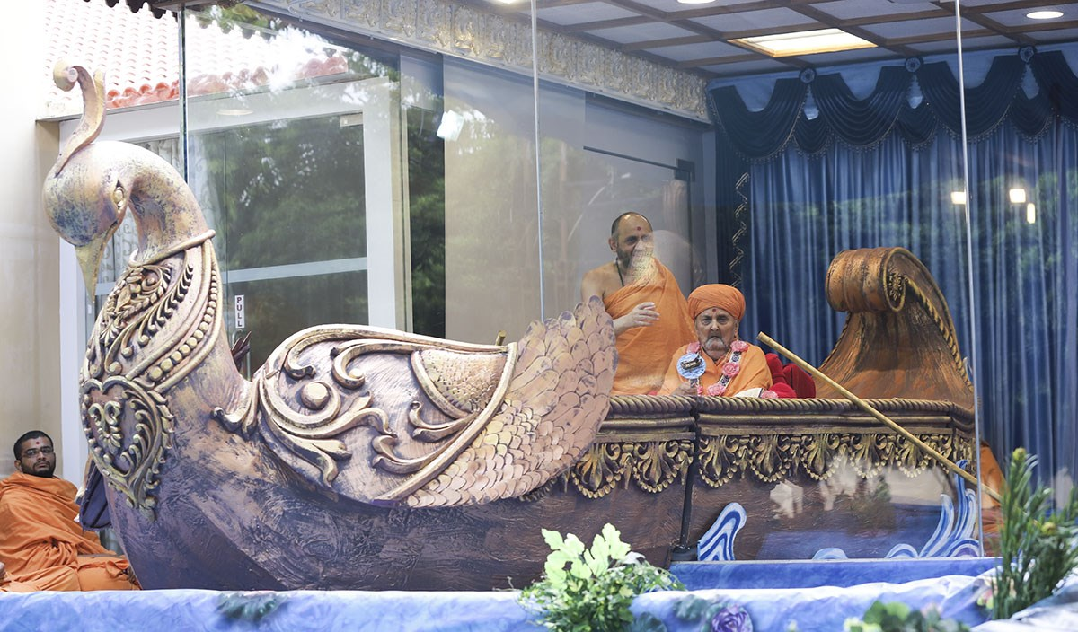 Swamishri during the celebration