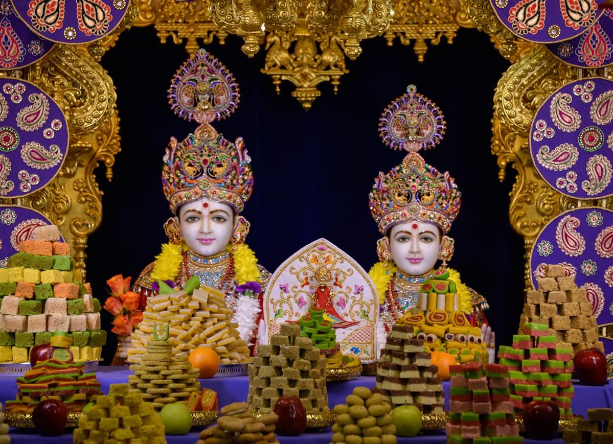Diwali annakut celebration 2015 toronto on canada for Annakut decoration ideas