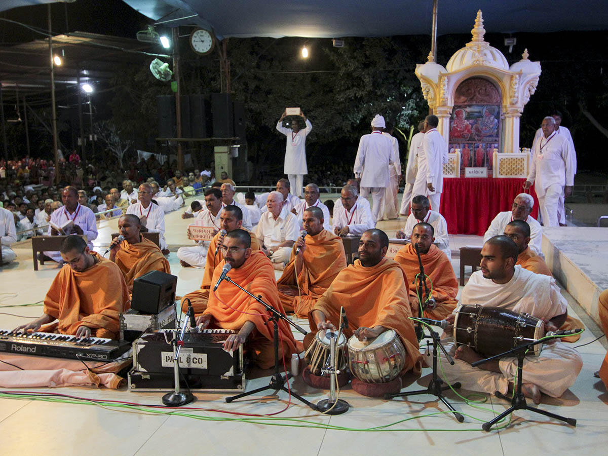 Sadhus doing Kirtan Bhakti Yagna - singing the praises of Bhagwan Swaminarayan and the Guru Parampara