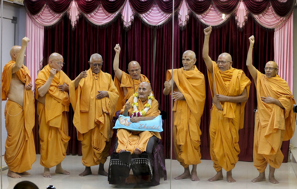 Swamishri with senior sadhus