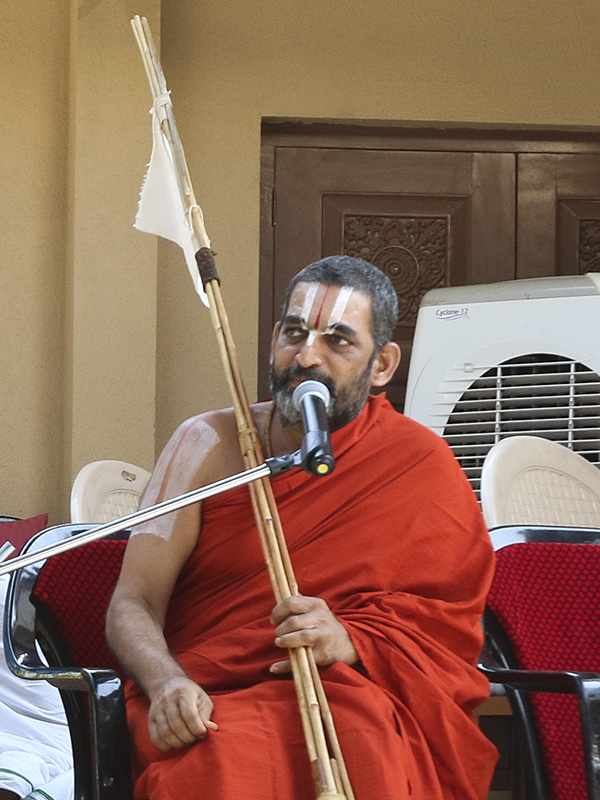 Pujya Chinna Jeeyar Swamy addresses the assembly