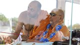 Swamishri perform inauguration rituals