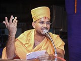 Apurvamuni Swami addresses the assembly