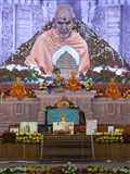 Param Pujya Mahant Swami performs his morning puja
