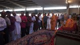Devotees receive blessings from Param Pujya Mahant Swami