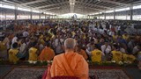 Devotees doing darshan of Param Pujya Mahant Swami