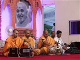 Kirtan bhakti during the HH Pramukh Swami Maharaj tribute assembly