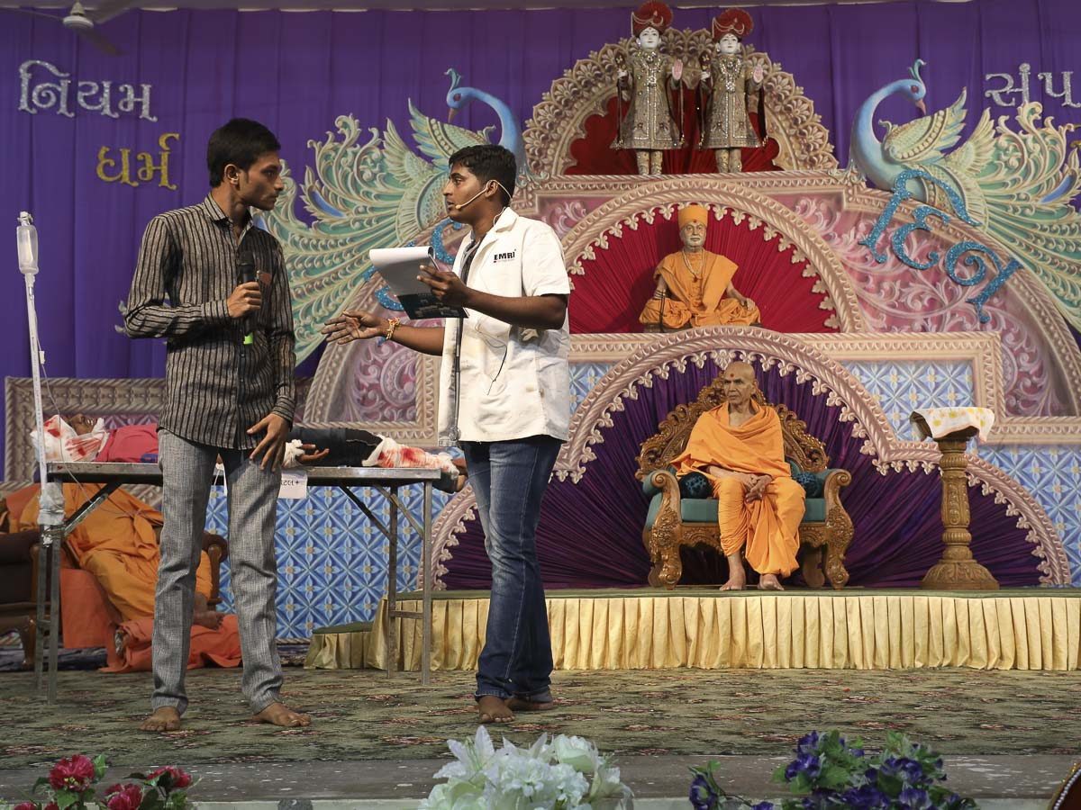 A skit presentation by youths before Param Pujya Mahant Swami in the evening assembly, 13 Nov 2016