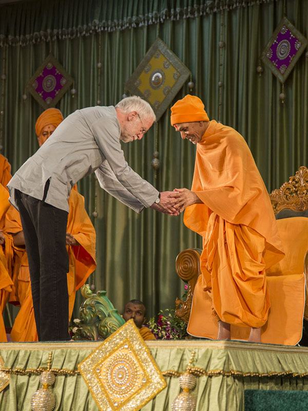 Professor Francis X. Clooney, SJ of Harvard University receives blessings from Param Pujya Mahant Swami Maharaj, 15 Jan 2017