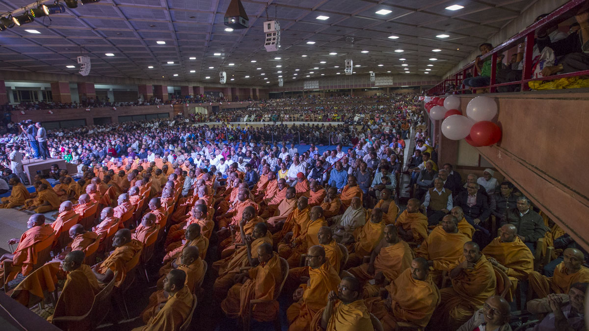 Sadhus and devotees during the assembly, 20 Jan 2017