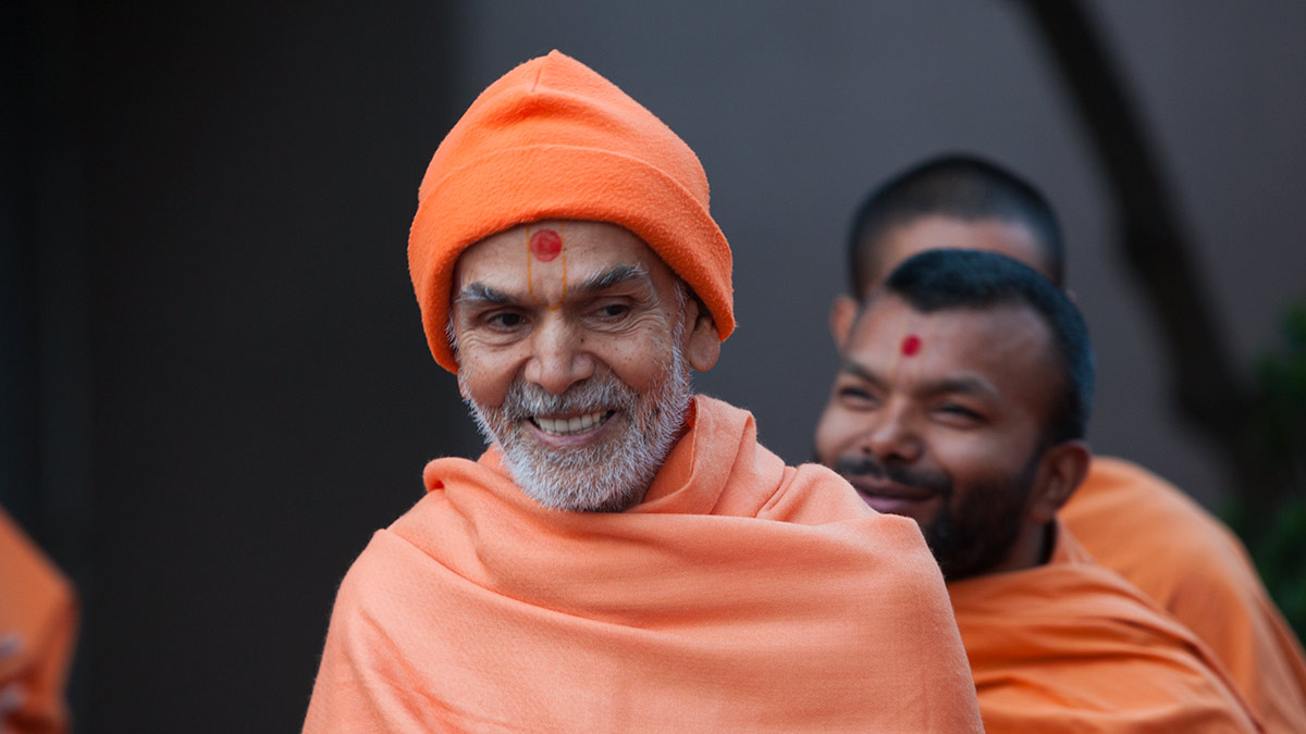 Param Pujya Mahant Swami Maharaj in a divine, jovial mood, 2 March 2017