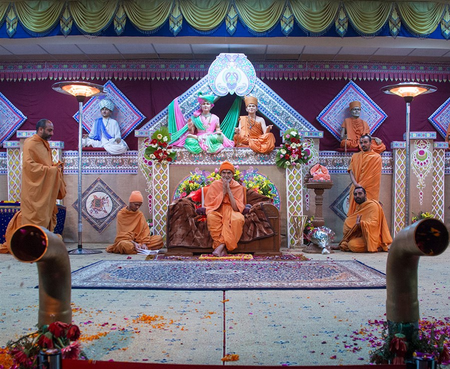 'Shri Swaminarayan Holi Mangal Milan' for Akshardham volunteers, 4 March 2017