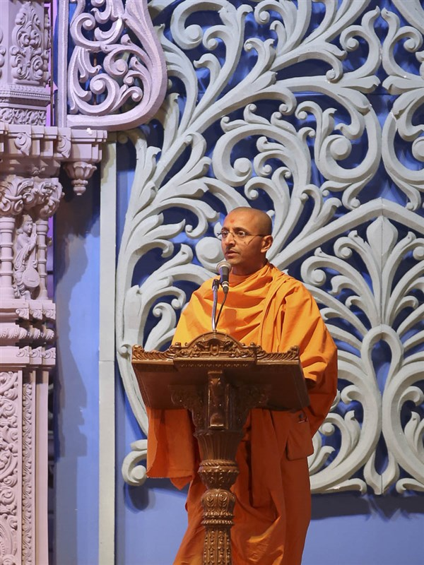 Vivekmuni Swami addresses the volunteers assembly, 11 March 2017