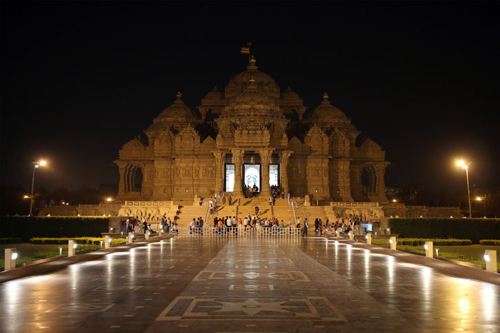 Earth Hour Celebrated at Swaminarayan Akshardham