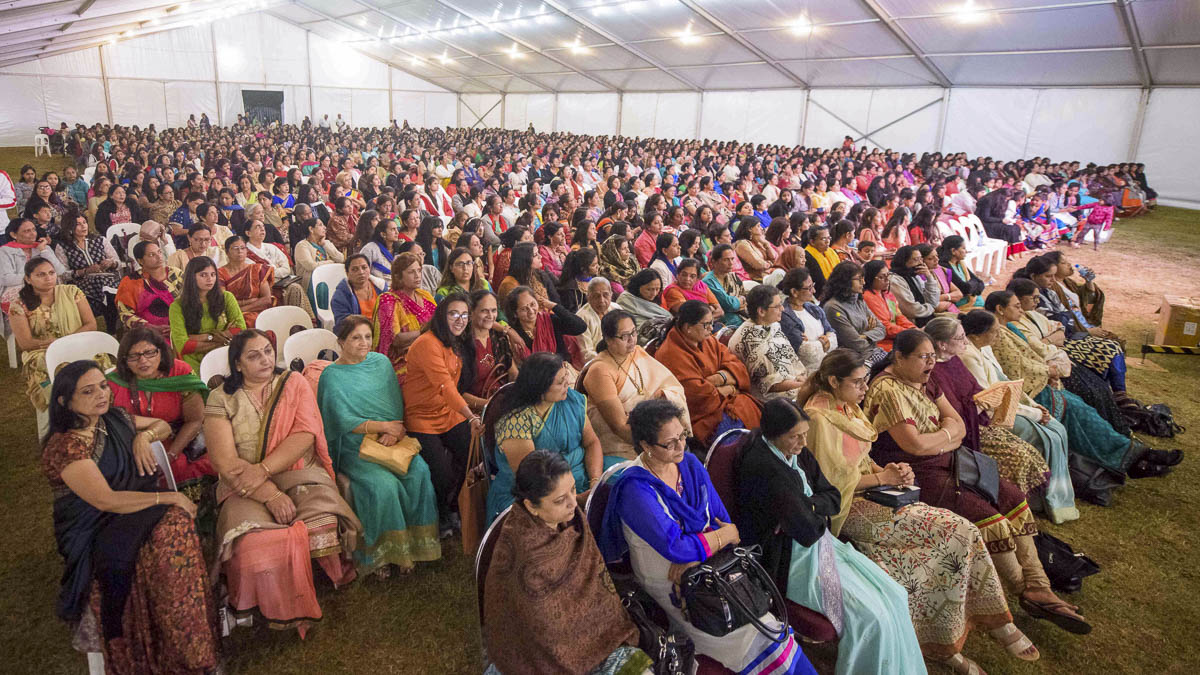 Devotees during the assembly, 26 Mar 2017