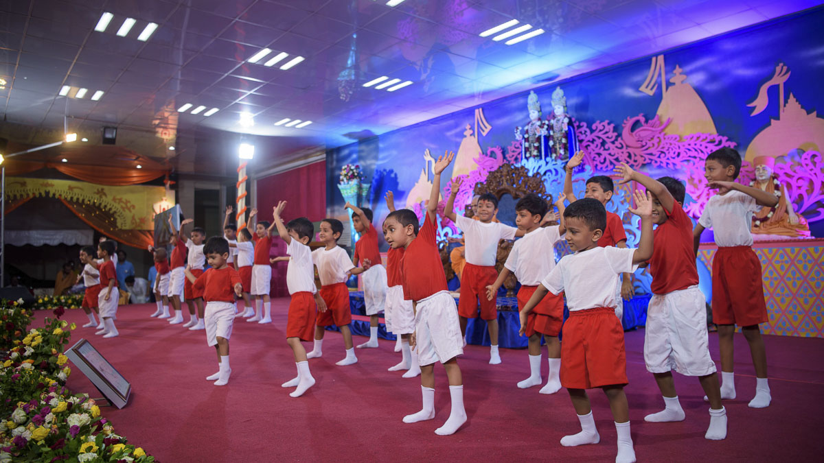 Children perform cultural dance in the assembly, 31 Mar 2017