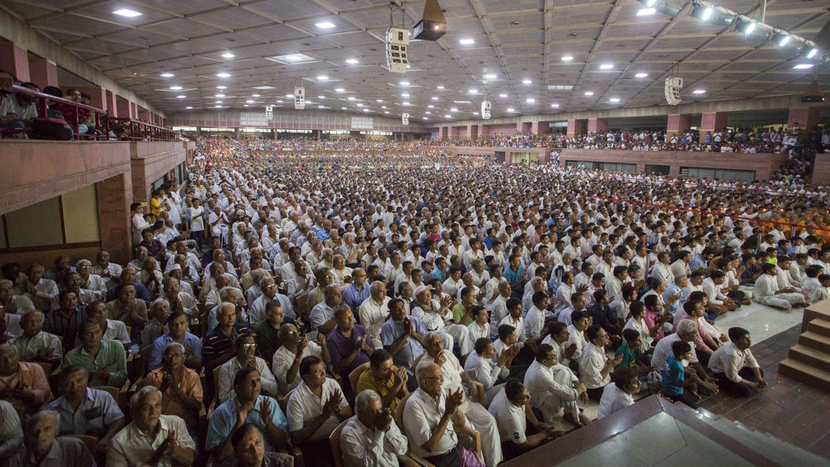 Devotees during the satsang assembly, 11 Jun 2017