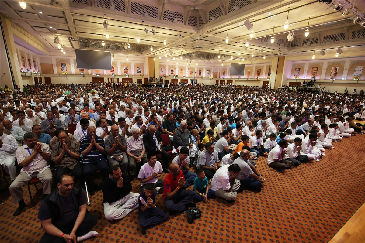 Devotees fill the main hall from as early as 4.30am
