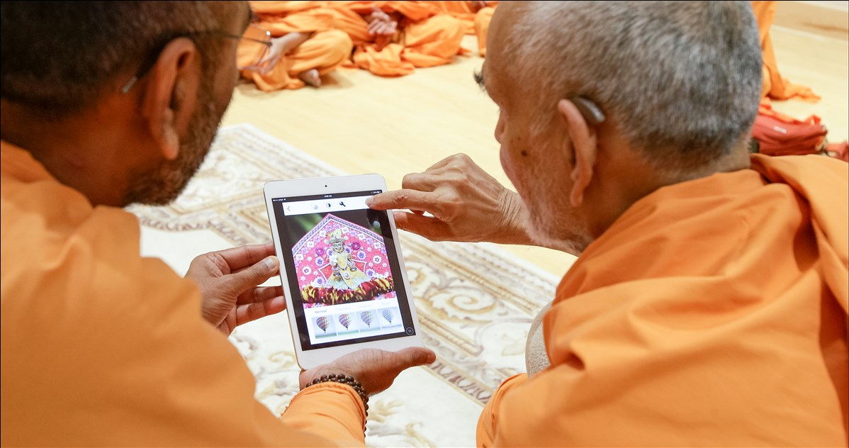 Swamishri inaugurates and blesses the official BAPS Instagram channel (instagram.com/baps)