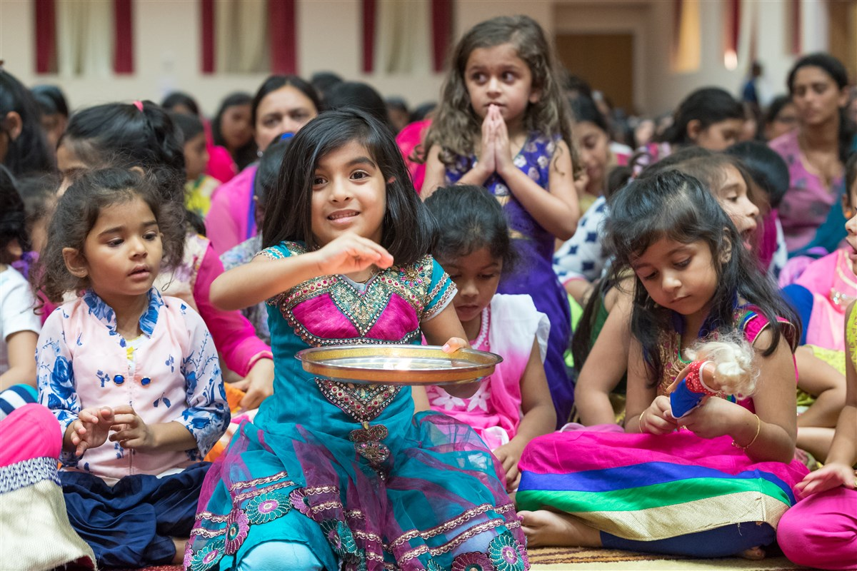 Children engaged in the evening arti