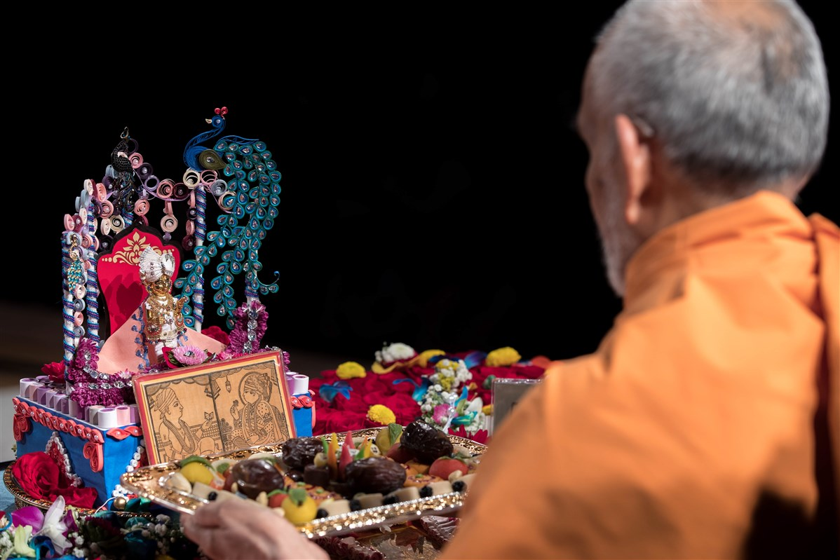 Swamishri engrossed in morning puja, 3 July 2017
