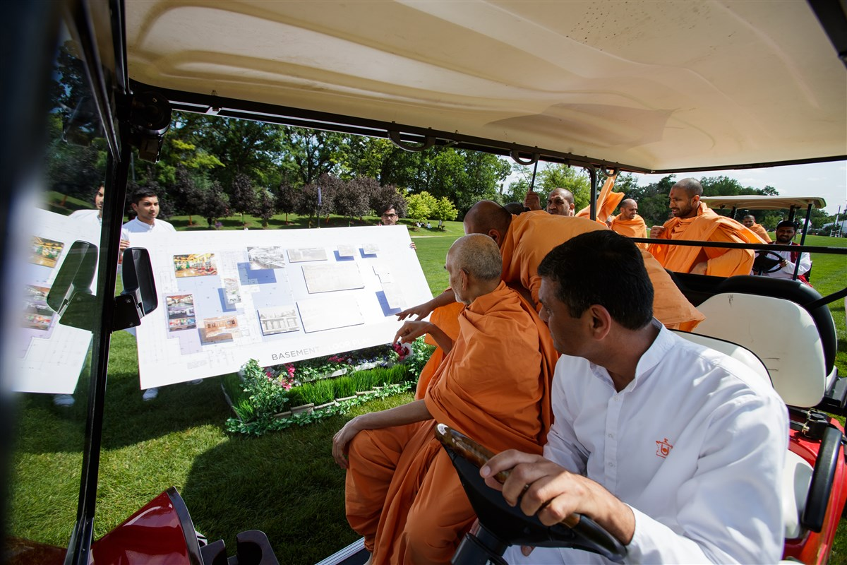 Swamishri blesses expansion plans of BAPS Shri Swaminarayan Mandir, Chicago, IL