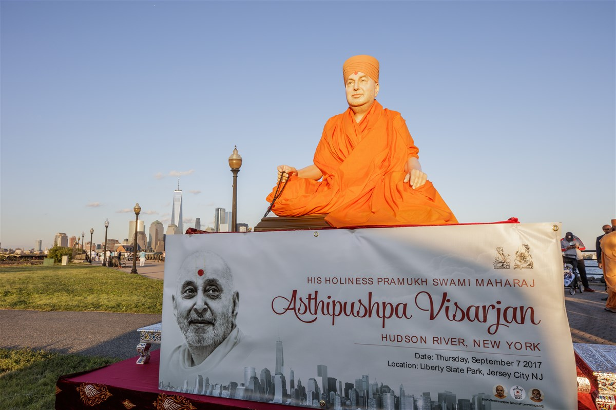 His Holiness Pramukh Swami Maharaj's murti at Liberty State Park on the banks of the Hudson River