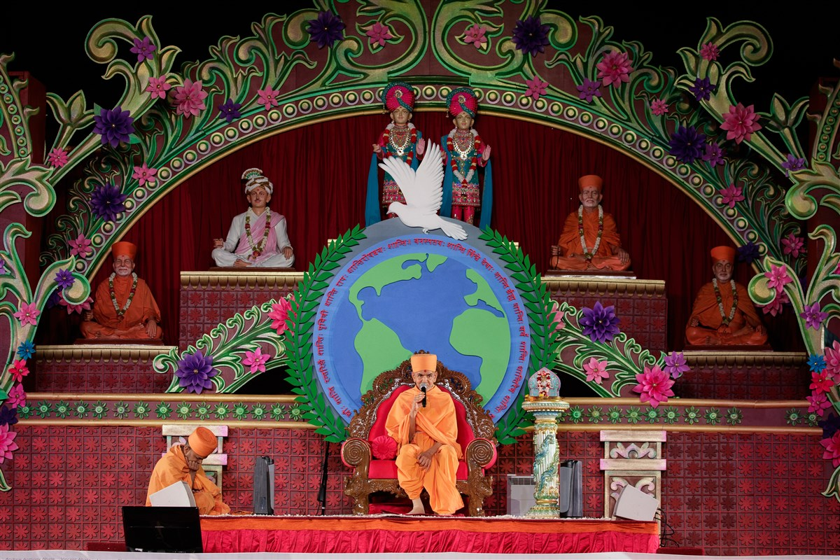 Swamishri addresses the 9/11 Peace Prayer  assembly