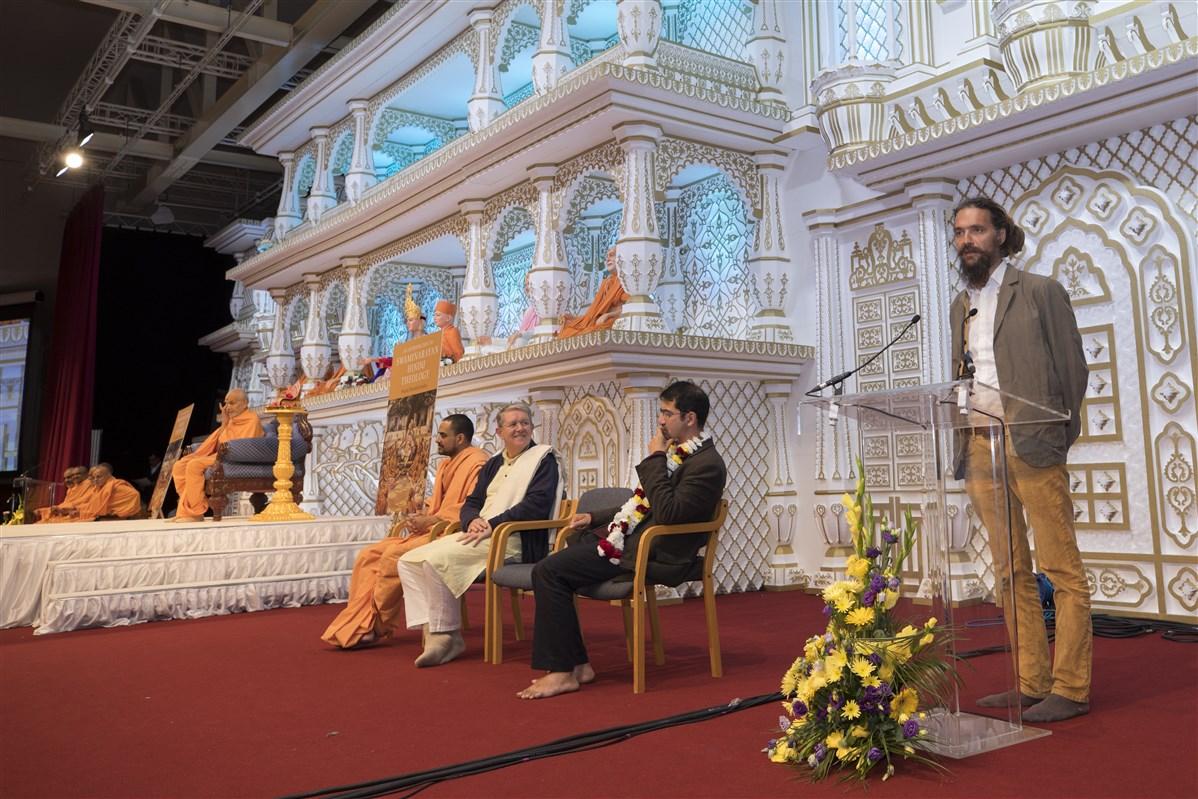 an introduction to swaminarayan hindu theology pdf