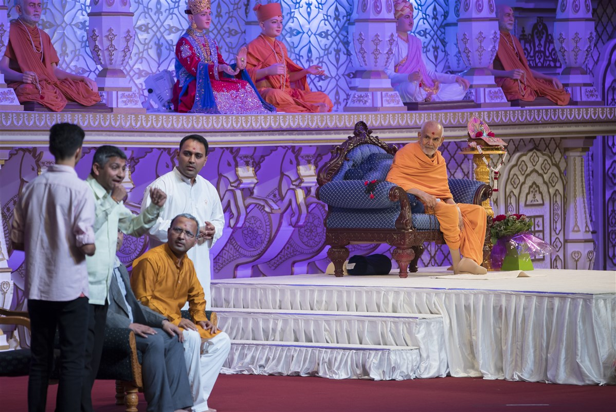 Swamishri watched and listened attentively