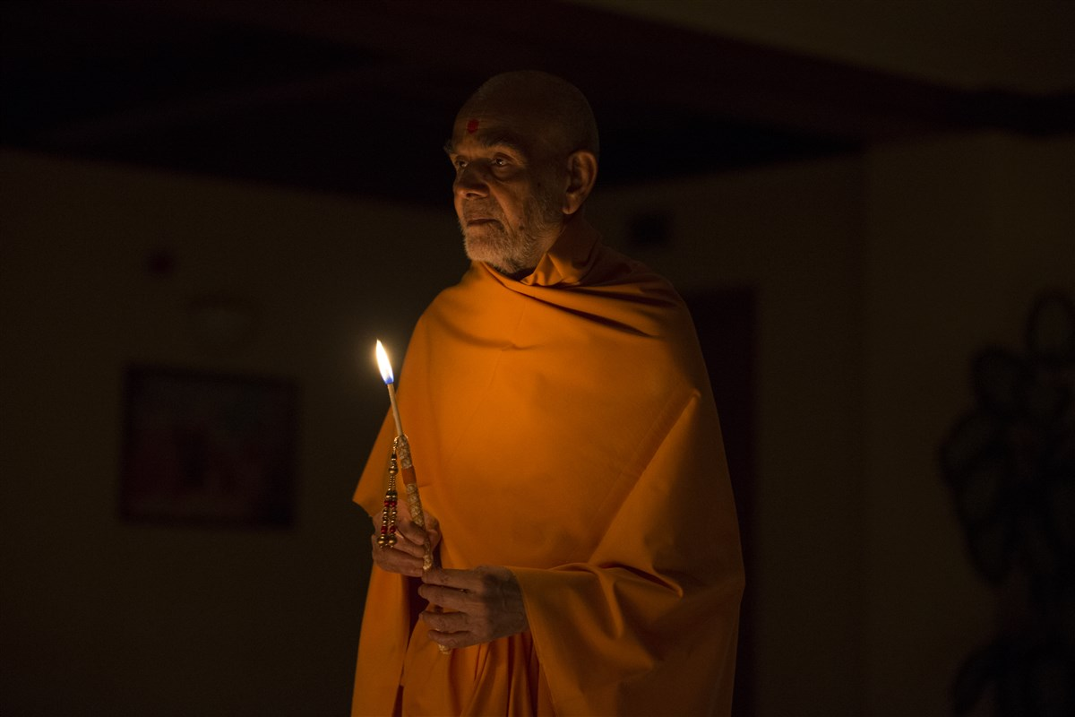 Swamishri inaugurates the Diwali celebrations...