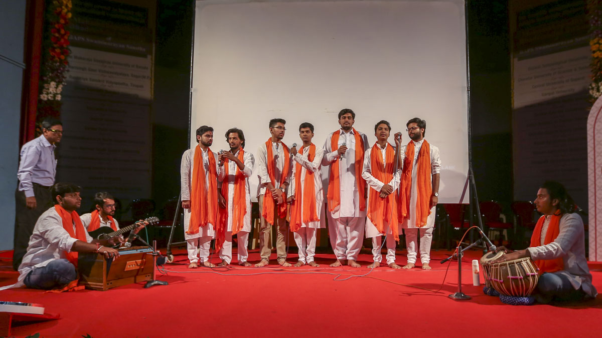 MS University students sing a thematic song