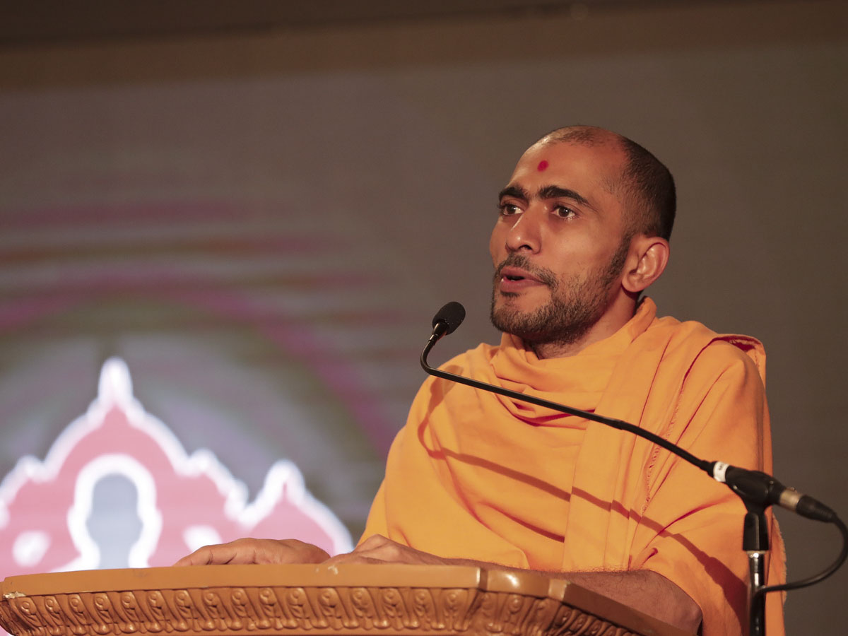 Vimalseva Swami addresses the convention