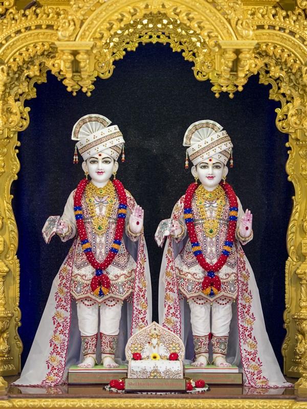 11 April 2018 - HH Mahant Swami Maharaj's Vicharan, Hong ...
