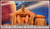 Swamishri during the grahan asembly
