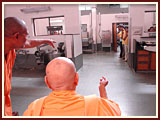 Swamishri sanctifies the newly constructed mandir complex