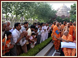 Swamishri blesses devotees of North India