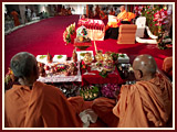 At the same time Swamishri performs his morning puja
