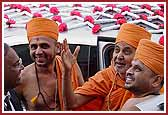 Swamishri arrives in New York ,2004