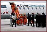 Pramukh Swami Maharaj Arrives in Atlanta June 07, 2004
