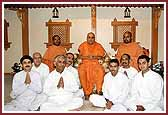 Swamishri with Poojaris of the South East region