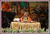 Morning,Swamishri does the mala during pooja