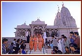 Descending the steps of Swaminarayan Mandir